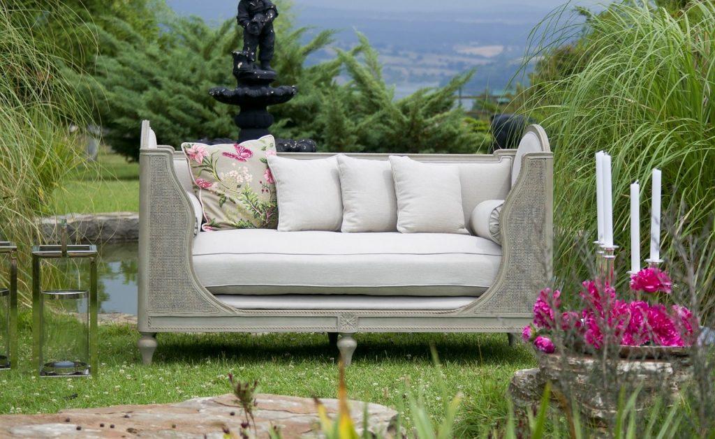 rośliny w domu - dodatek do mebli i wnętrza